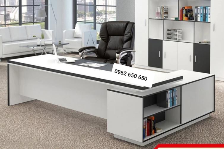 Thi công thiết kế nội thất bàn giám đốc