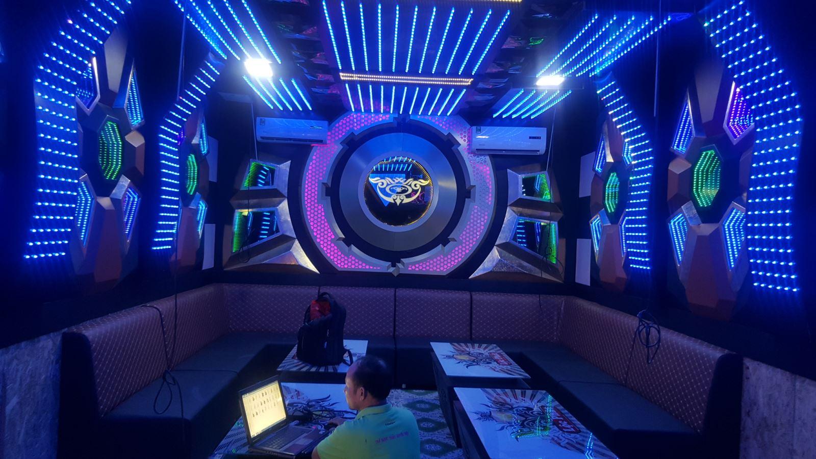 Những ưu điểm của thiết kế phòng hát karaoke bình dân