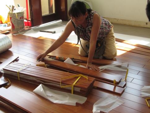 Làm thế nào để tự lắp đặt sàn